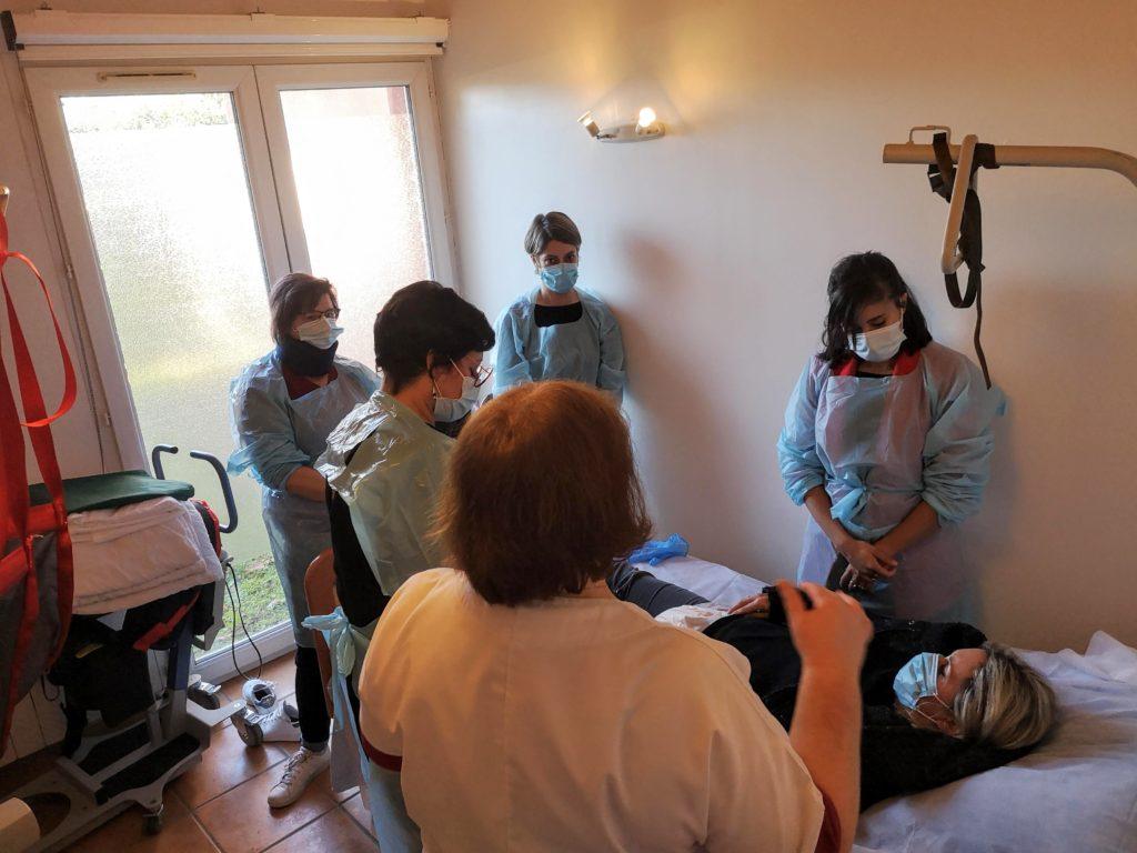 Formation Appartement pédagogique métiers aide à la personne prendre soin L'alchimine